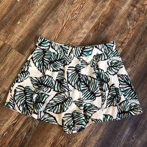 Tropical Leaf Print Flowy Shorts